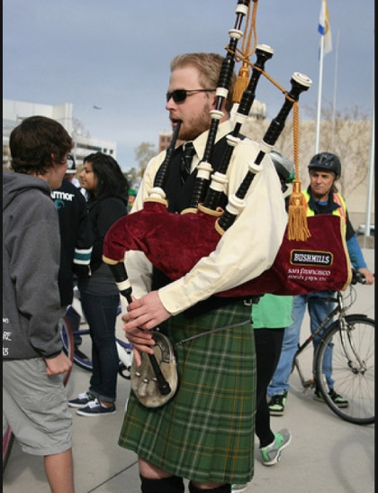 Bagpipes at Lord Mayor's ride